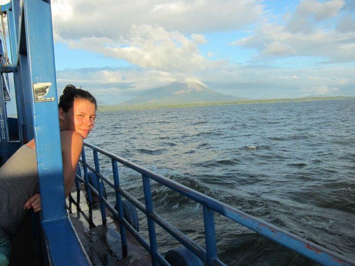 himmeblau-Blog-Katharina-Busch-auf-einem-Schiff-auf-dem-Nicaraguasee