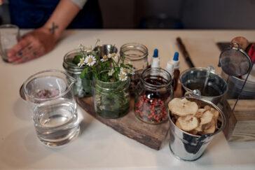 himmeblau-Blog-Alpentrunk-Cocktail-Zutaten-Kräuter